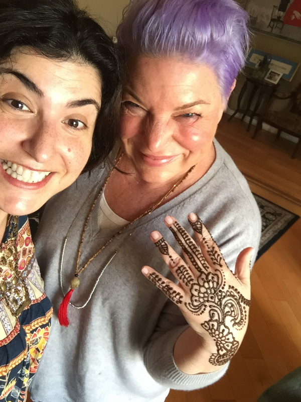 "Henna artist Elizabeth with ""The Facts Of Life"", Mindy Cohn. LA Henna"